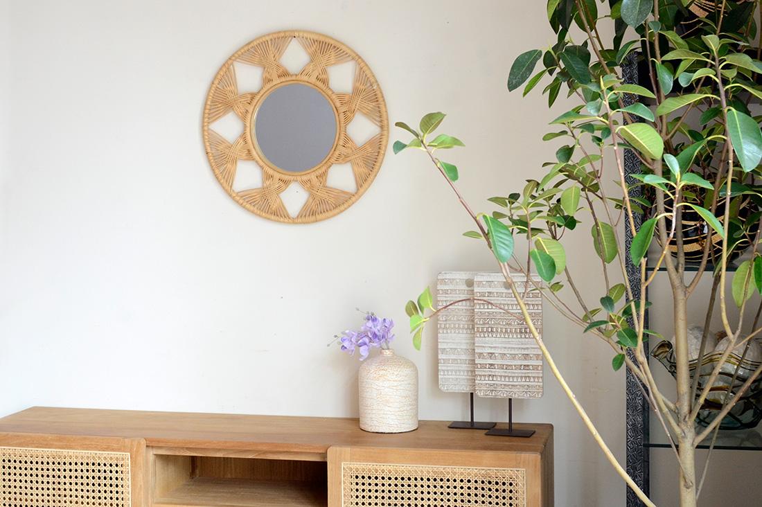 アジアン家具KAJAラタンの丸いミラー