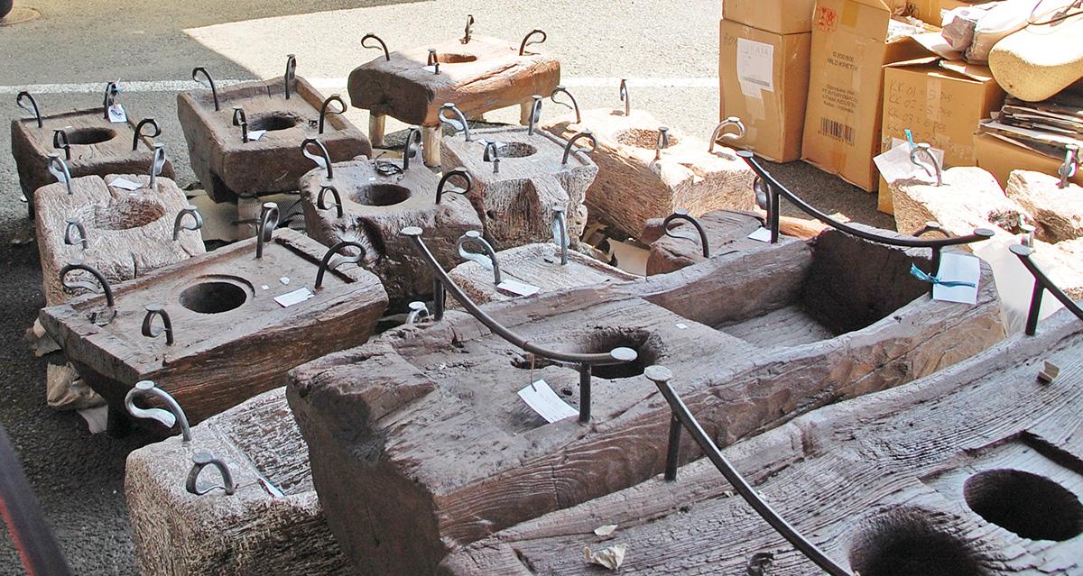 アジアン家具KAJA古木テーブルの入荷