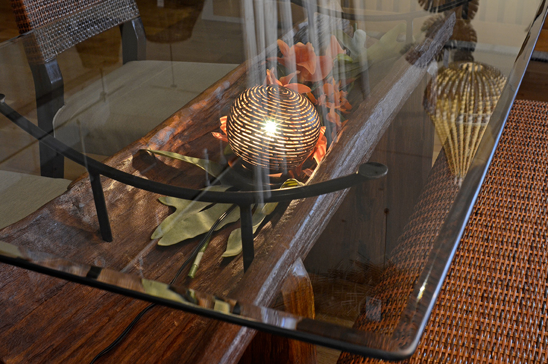 アジアン家具KAJA古木のダイニングテーブルディスプレイ3