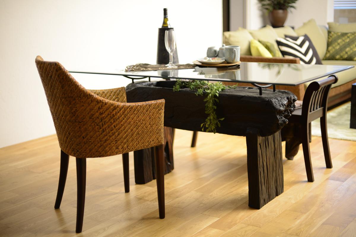 アジアン家具KAJA古木のダイニングテーブル(ブラウン)