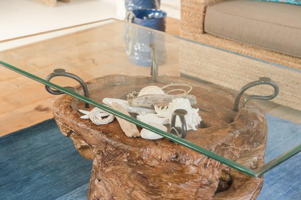 kaja-glasstable140810.jpg